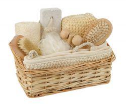 Giftset in wicker basket